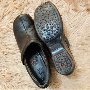 boc Shoes - B. O. C. | Brown Leather Comfort Clog - Size 10